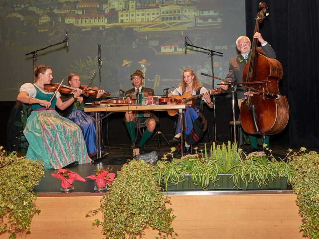 Salzkammergut Geigenmusi beim Kathreintanz Bad Ischl 2019 im Kongress- und Theaterhaus